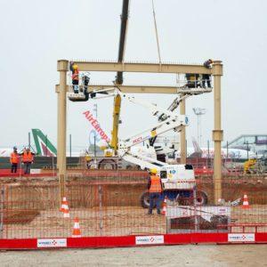 Des ouvriers de Vinci sur le chantier de l'aéroport de Paris-Orly en mai 2016