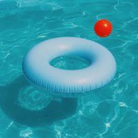 Flotteur dans une piscine
