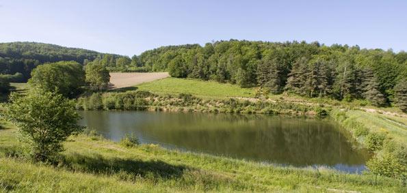 Une retenue d'eau en France