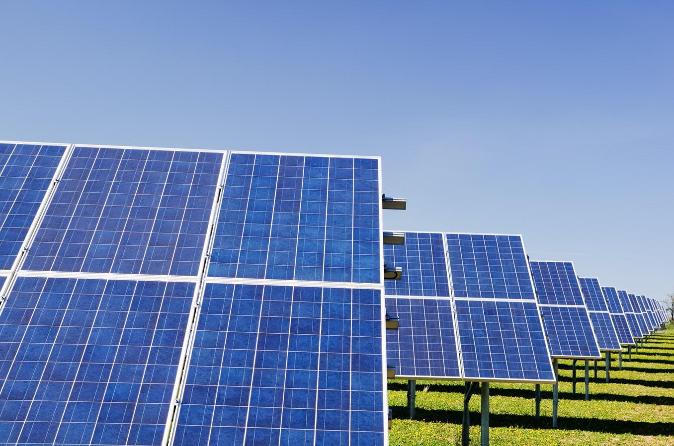 Une centrale solaire.