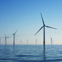 Un parc éolien en mer (Royaume Uni).