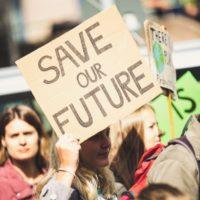 Des manifestants lors d'une grève pour le climat.